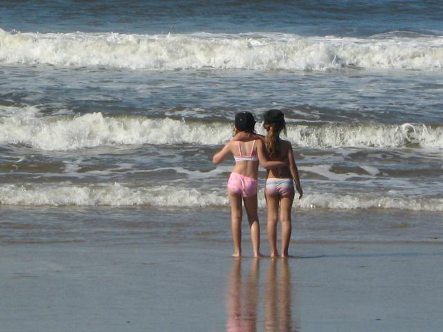 beach bumbs sea